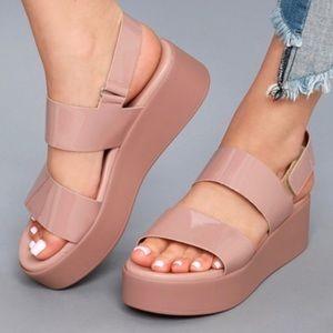 NWOT STEVE MADDEN Rachel platform sandal